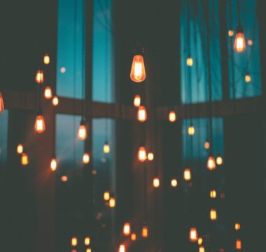 Light bulbs glooming in the dark