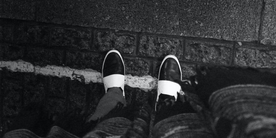 Ein Paar bunter Schuhe als Sinnbild für Kreativität und Agilität